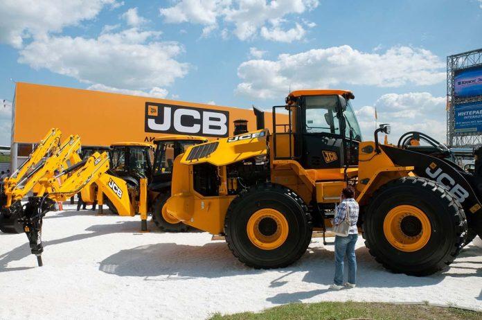 JCB slump could see 400 job losses