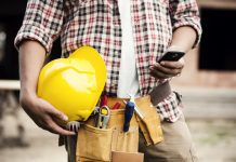 Construction workers are among the worst culprits for using smartphones at work