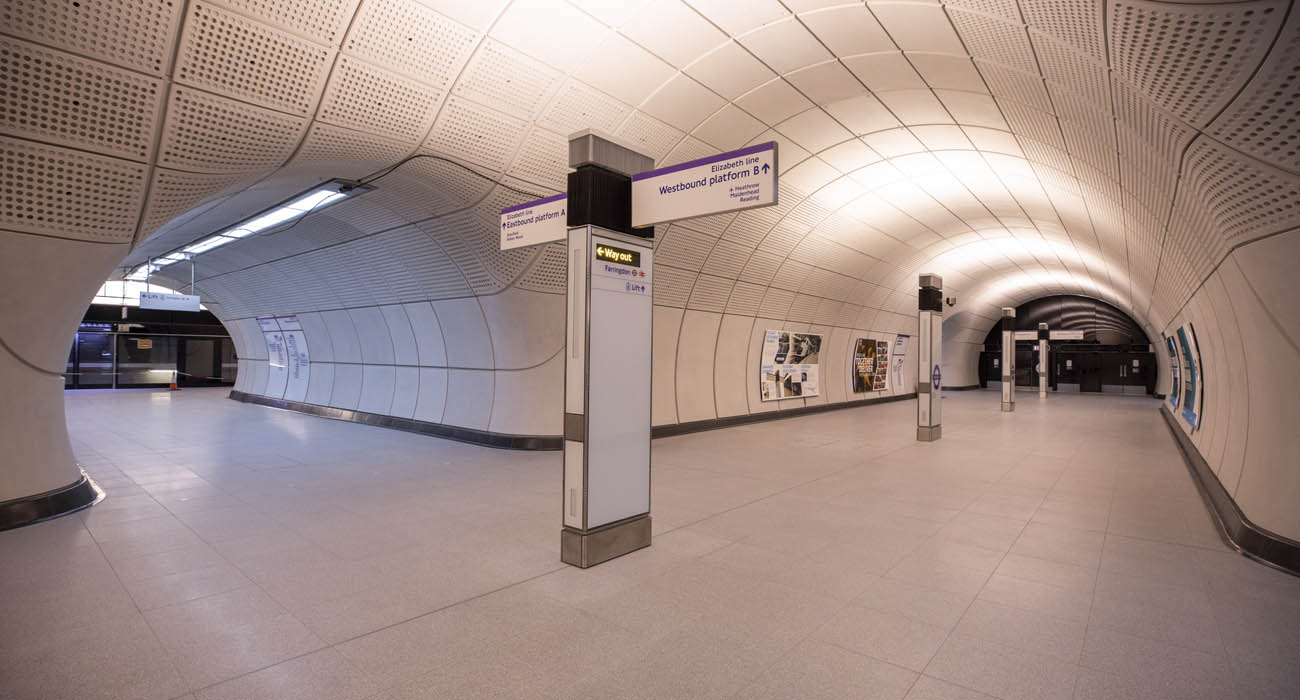 Crossrail hands over Farringdon Elizabeth line station