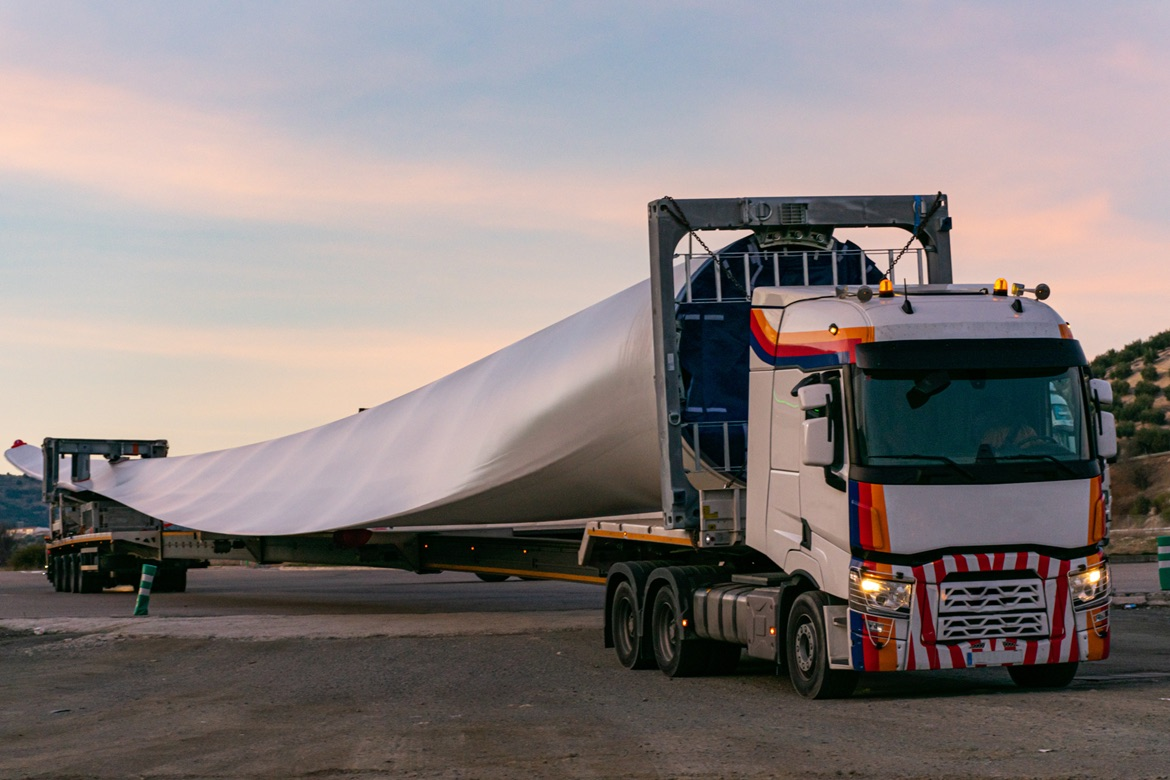 HS2 swaps steel for wind turbine blades to reinforce concrete
