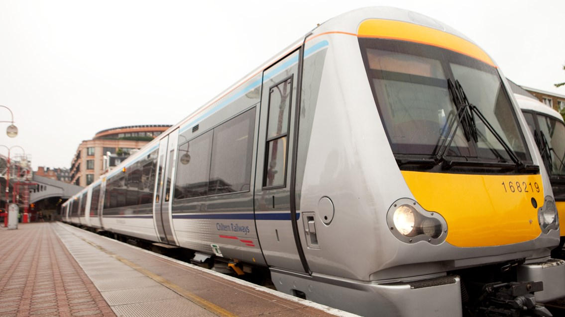 Network Rail invest millions into Chiltern main line improvements
