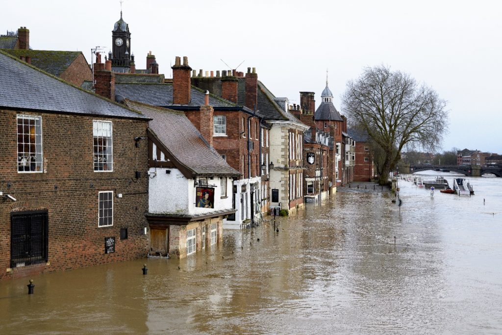 1,000 flood schemes to benefit from £860m this year