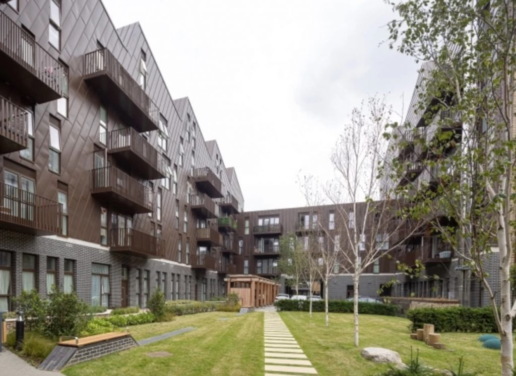 Canary Wharf Group delivers 115 council flats in Poplar