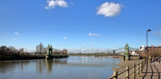 Hammersmith Bridge,